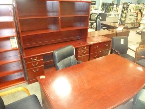 Hoppers Office Furniture Used Traditional Desk Credenza
